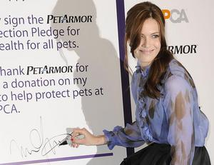 http://img244.imagevenue.com/loc171/th_396949972_Mandy_Moore_AnimalHealthcareAwarenessProgram_Launch50_122_171lo.jpg