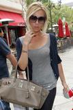 Страсть Victoria к модным сумкам переросла в желание самой создавать...