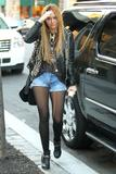 [Image: th_44213_Preppie_Miley_Cyrus_out_in_New_..._462lo.jpg]