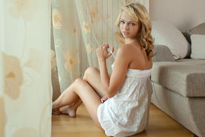 http://img244.imagevenue.com/loc59/th_348885397_tduid300163_MetArt_Presenting_Eve_Eve_B_high_0034_123_59lo.jpg